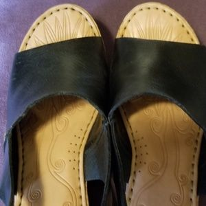 Born wedge shoe